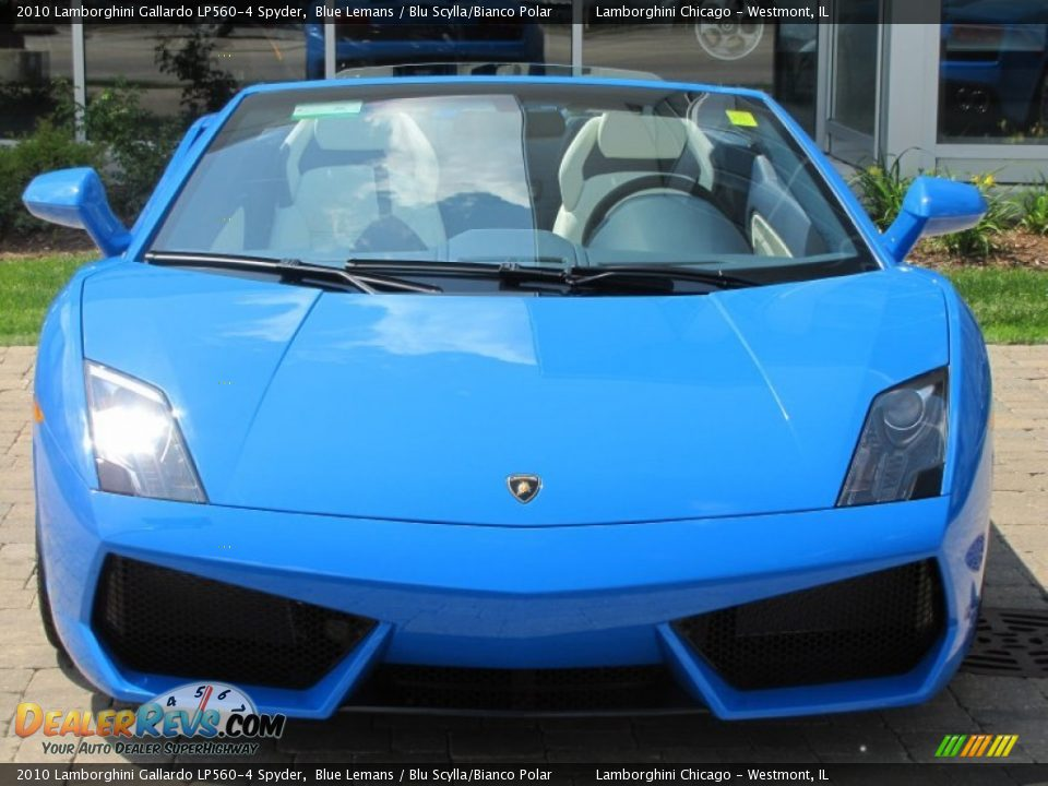 Blue Lamborghini Gallardo Lp560