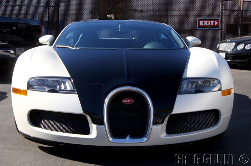 Bugatti Veyron Super Sport Black And White