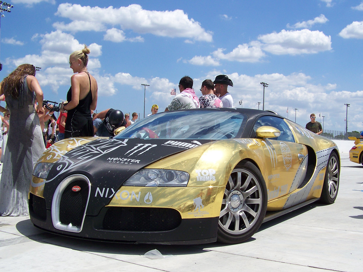 Black And Gold Bugatti Bugatti veyron covered in gold