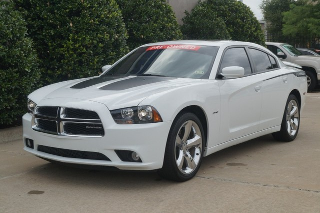 2011 White Dodge Charger With Black Rims Engine Information