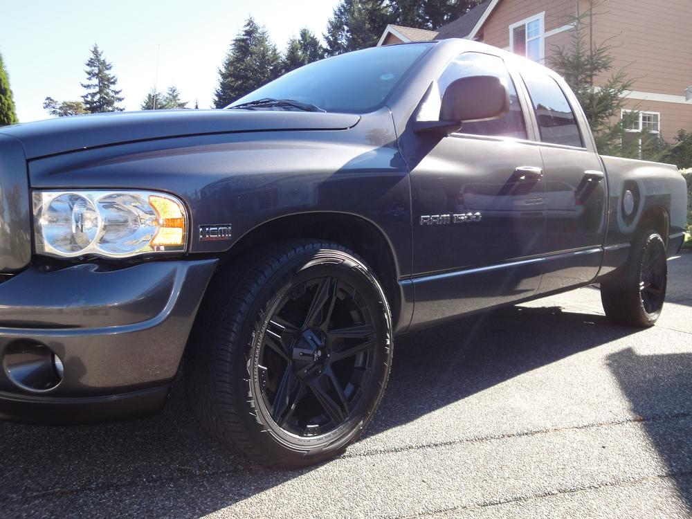 2012 Dodge Ram 1500 White With Black Rims Engine Information: dodge ram motors