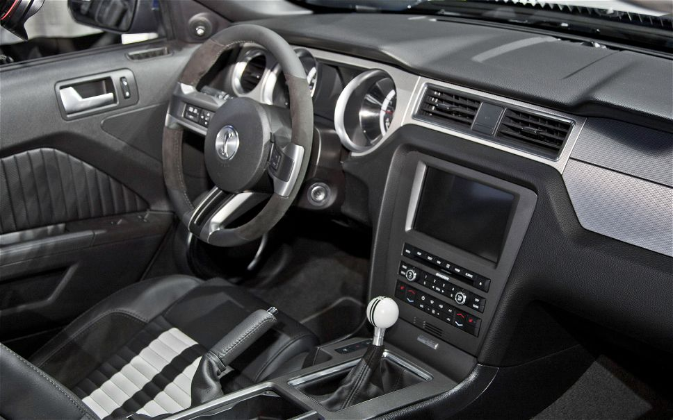 2013 ford mustang gt interior automatic engine information - 2013 mustang interior accessories ...