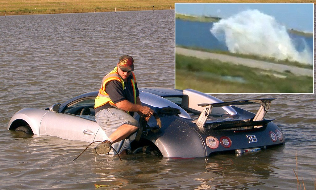 Bugatti Veyron Crash In Lake
