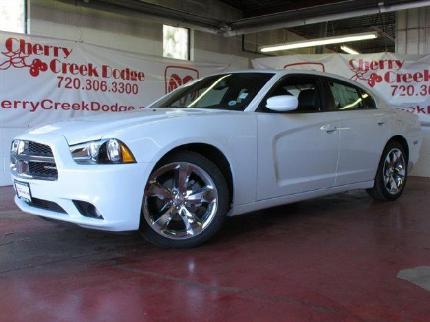 Dodge Charger 2012 White With Black Rims Engine Information