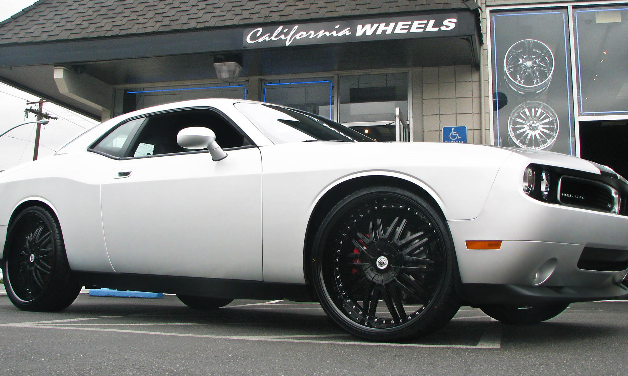 white dodge charger with - Dodge Charger 2013 White Black Rims